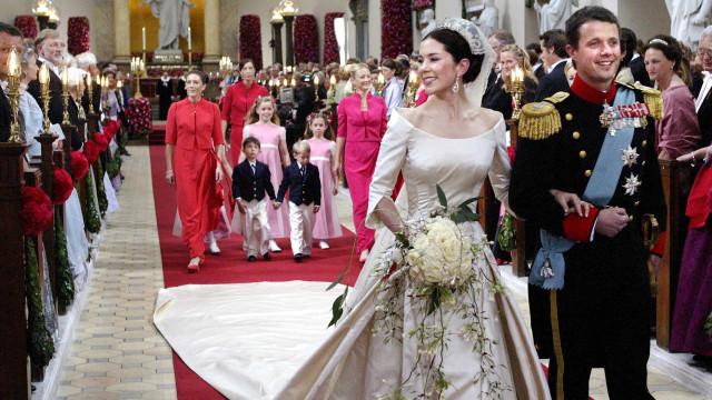Príncipes Frederico e Mary da Dinamarca casaram-se há 17 anos