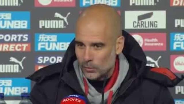 Aos 35 anos estreou-se pelo City e no final recebeu elogios de Guardiola