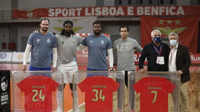 Benfica homenageou Quintana antes do Clássico com o FC Porto