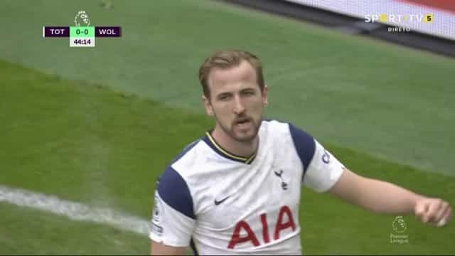 Defesa meteu água e Rui Patrício não conseguiu evitar o golo de Kane