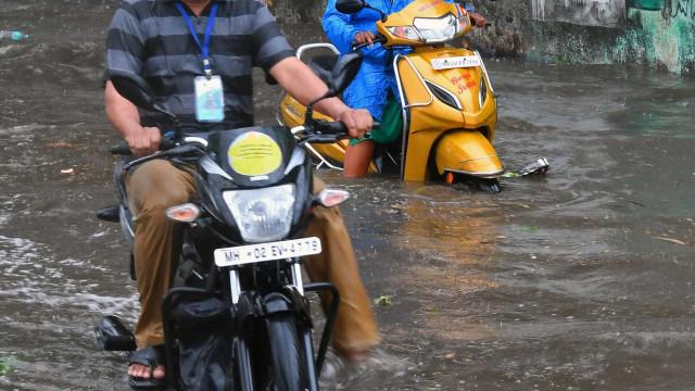 Índia retirou mais de 135 mil pessoas na costa oeste devido a ciclone