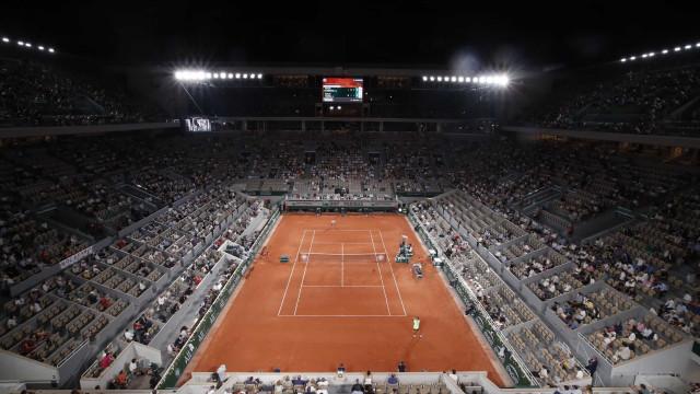Show entre Nadal e Djokovic até levou que governo francês violasse a lei