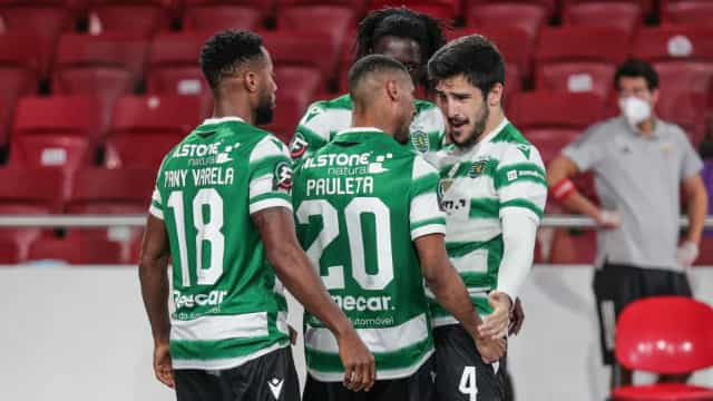 Sporting 'arrasa' Benfica na Luz e alcança triplete no futsal