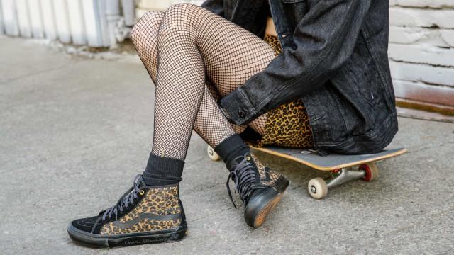 Vans Skate Classics by Cher Strauberry em estampado de chita