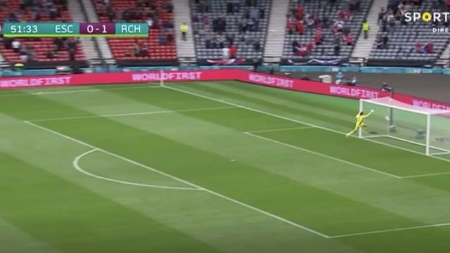 Autêntico monumento no Euro'2020. O golaço de Schick que já corre mundo