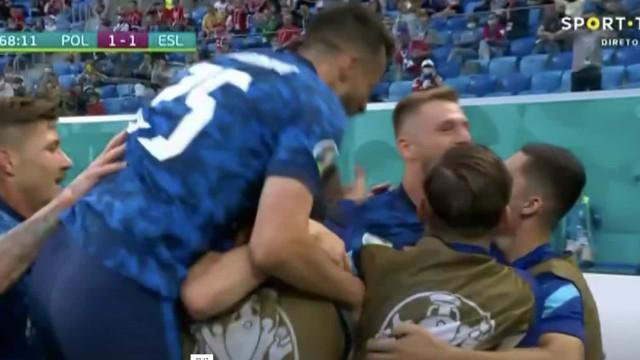 Eis o golo que afundou Paulo Sousa e levou a Eslováquia ao céu