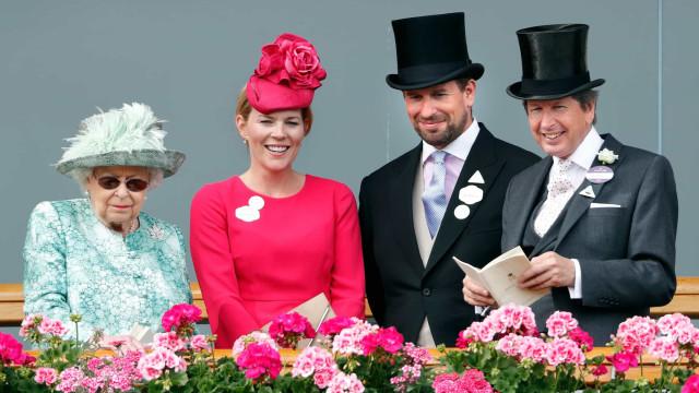"Neto da rainha Isabel II, Peter Phillips, finaliza divórcio. ""Dia triste"""