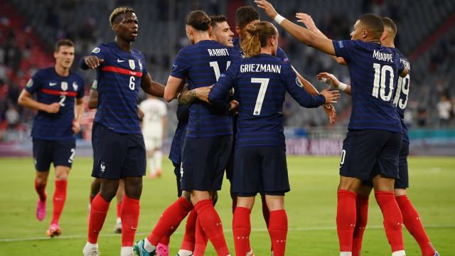 No fim não ganhou a Alemanha. França triunfou graças a... Hummels