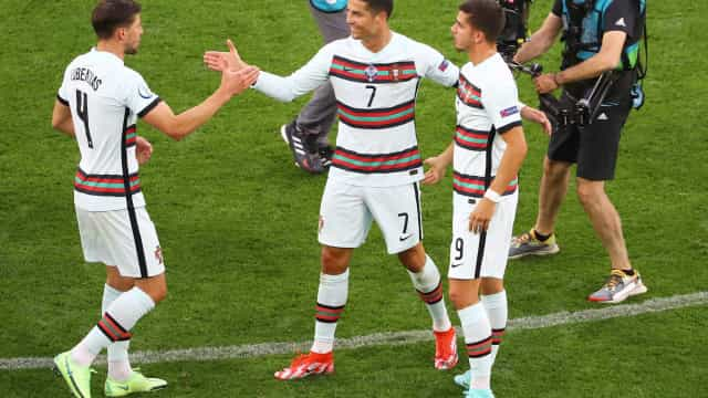Portugal venceu, mas The Guardian sugere alteração a Fernando Santos