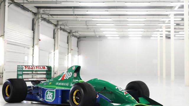 Primeiro carro conduzido por Schumacher na F1 está à venda