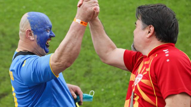 Eriksen 'presente' entre festa e fair-play. As imagens do 7.º dia do Euro