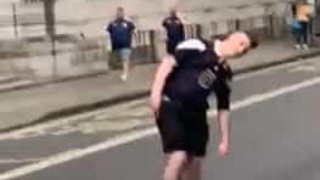 Escocês embriagado atropelado por mota antes do jogo com Inglaterra