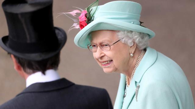 Rainha Isabel II marca presença no último dia do Royal Ascot