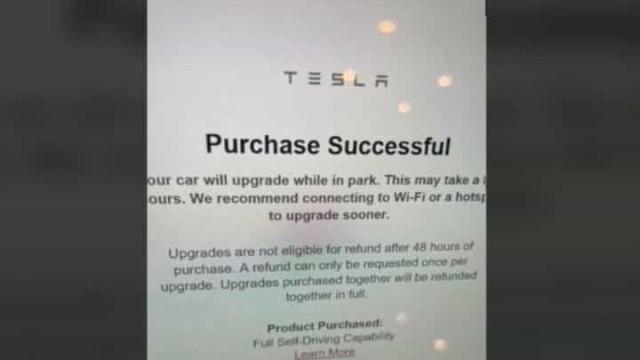 Bebé faz 'upgrade' de 8.400 euros a Tesla da mãe