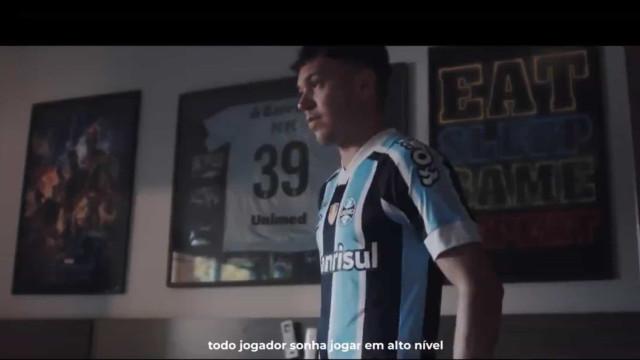 Pepê, reforço do FC Porto, despediu-se assim dos adeptos do Grémio