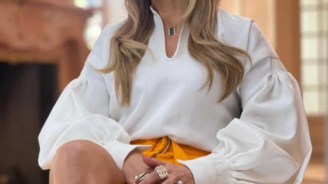 Jennifer Lopez deixa fãs em 'choque' com botas de salto gigante