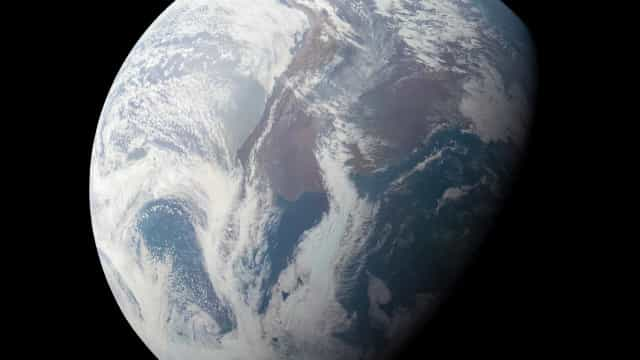 As fotografias da Terra captadas pela sonda de Júpiter