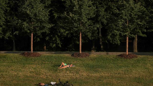 Onda de calor histórica em Moscovo atinge recorde com 120 anos