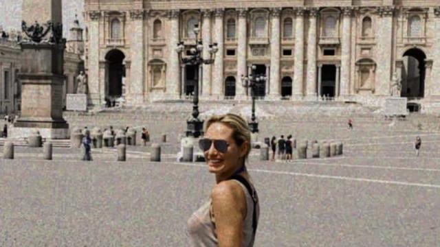 """Fernanda Serrano deixa """"estrela no passeio da fama"""" em Roma"""
