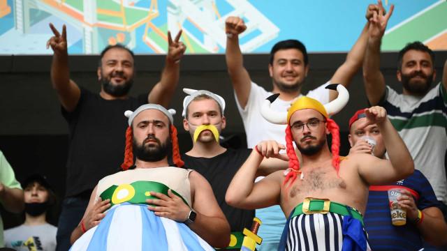Duelo de gigantes entre Portugal e França exige... Astérix e Obélix