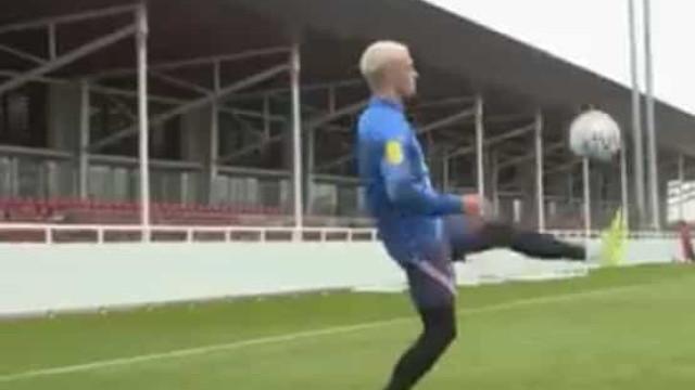 Foden e Rashford espalham 'magia' no treino da seleção inglesa