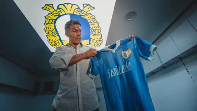 Bruno Alves oficializa rescisão amigável com Famalicão