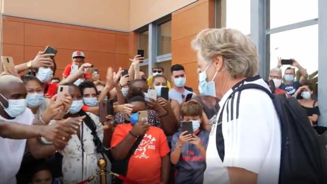 Benfica recebeu forte apoio dos adeptos antes de jogo com o Lille