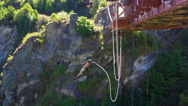 Colômbia. Mulher morre após perceber mal instrutor de bungee jumping