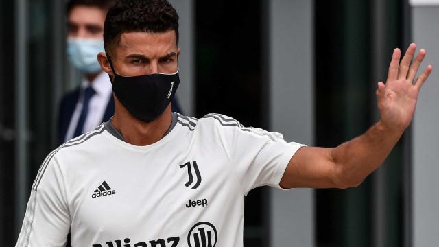 """Cristiano Ronaldo quer sair já, mas está """"bloqueado"""" por Mbappé"""