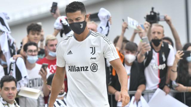 Cristiano Ronaldo fica na Juventus, mas renovação está descartada