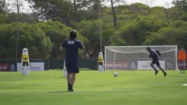 Quem sabe não esquece: Sérgio Conceição brilha no treino do FC Porto