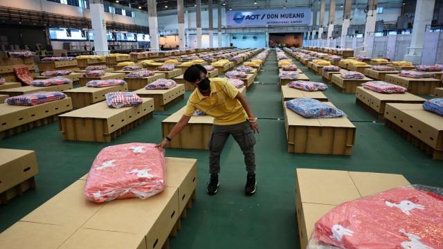 Banguecoque instala hospital de campanha em aeroporto