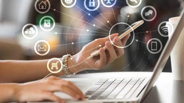 Tarifa social de Internet em vigor amanhã, mas ainda falta definir valor