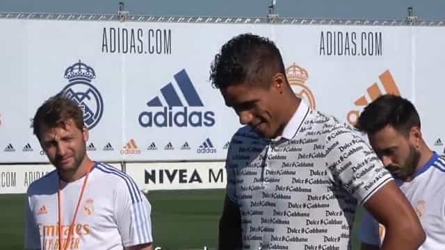 Varane não conseguiu esconder as emoções na despedida do Real Madrid