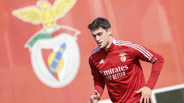 Yaremchuk sem tempo a perder. Assinou pelo Benfica e já treinou no Seixal