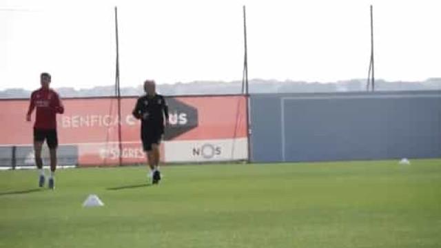 Benfica desvenda imagens do primeiro dia de Yaremchuk no Seixal