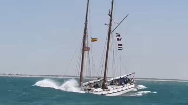 Marinha enfrenta Guadalquivir 'agreste' em Espanha. Eis as imagens