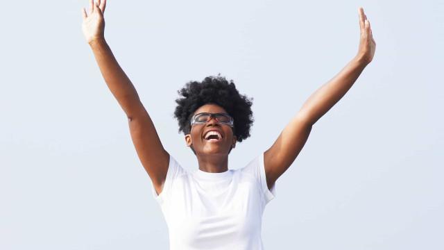 Como estimular as hormonas da felicidade