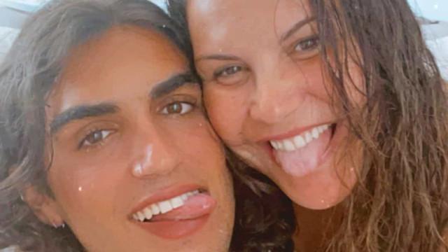 """Katia Aveiro foi mãe há 21 anos. """"Estou feliz pelo trabalho fiz contigo"""""""