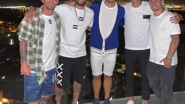 Messi esteve com 'turma' do PSG e adeptos já falam numa ida para Paris