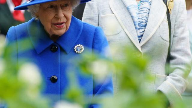 """O que se passa com Isabel II? """"É uma luta ente a cabeça e o corpo"""""""