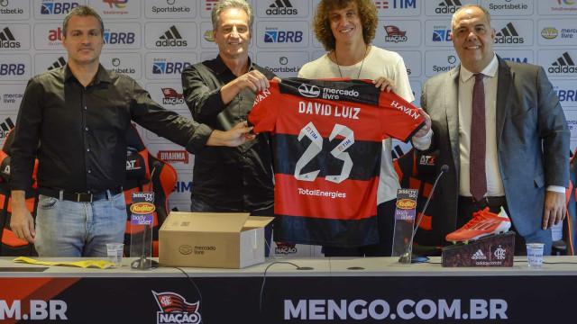 Benfica tentou contratar David Luiz até à última hora