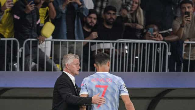 Solskjaer defende CR7 e Bruno Fernandes das críticas de Rio Ferdinand