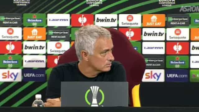 """Mourinho enervou-se com o tradutor: """"Por que é que fala tanto?"""""""