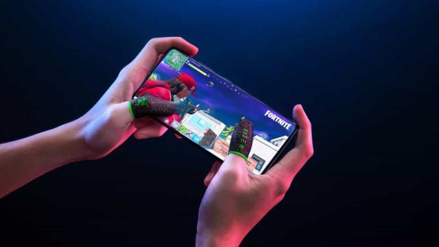 A Razer lançou o acessório ideal para quem joga em telemóveis