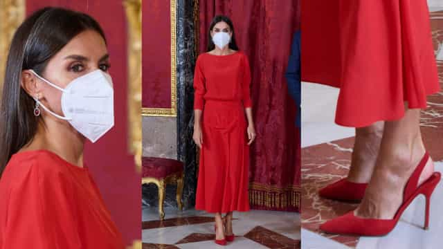 Rainha Letizia em vermelho total na 1.ª aparição após celebrar 49 anos