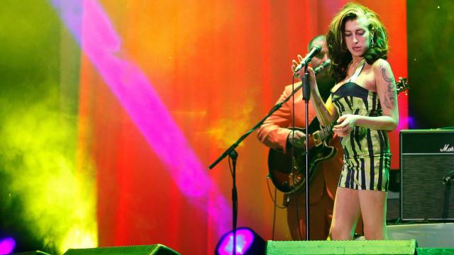 Vestido usado por Amy Winehouse no último concerto vai ser leiloado