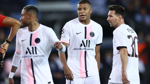 """""""Quando há uma perda de bola Messi, Neymar e Mbappé precisam de um táxi"""""""
