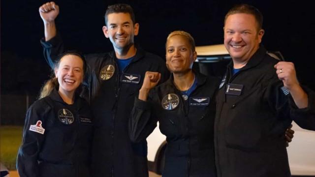 Turistas espaciais transportados pela SpaceX regressaram à Terra