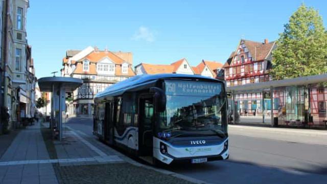 Autocarro elétrico Iveco E-Way atinge novo recorde de autonomia
